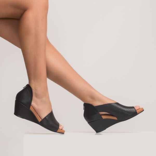 Aurara Kadın Dolgu Topuk Sandalet Siyah