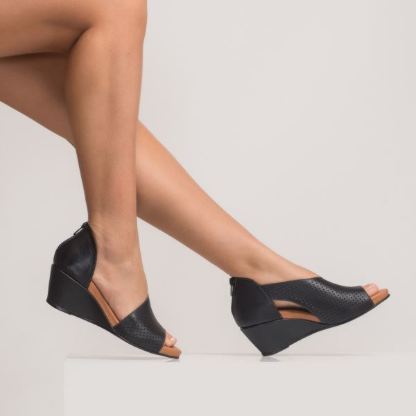 Aurara Kadın Dolgu Topuk Sandalet Laci