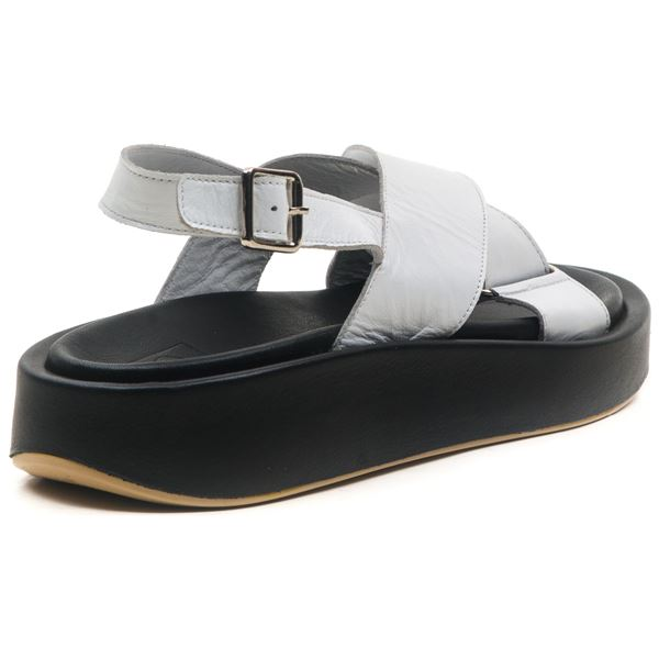 Dıegor Kadın Sandalet Beyaz Siyah